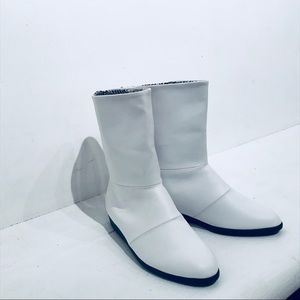 VINTAGE 80s/90s White Vegan Leather Boots 7.5